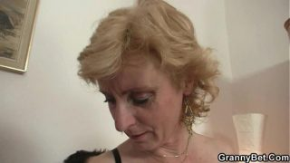 He gets lucky with old woman hot mature pussie fuck