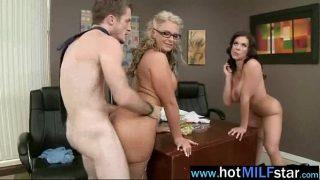 Mature Lady Bang A Huge Dick Stud In Sex Scene