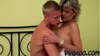 MILF likes to ride young man young man fucking horny babe hard