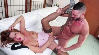 SCAMBISTI MATURI – Mature Italian amateur lady in hardcore porn session